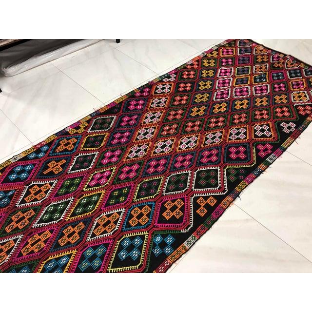 Textile 1960s Vintage Naturel Wool Turkish Kilim Rug- 3′10″ × 9′8″ For Sale - Image 7 of 11