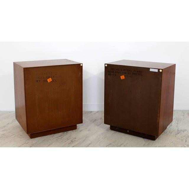 1960s Mid-Century Modern Kipp Stewart Drexel Declaration Walnut Pair of Nightstands For Sale - Image 5 of 10
