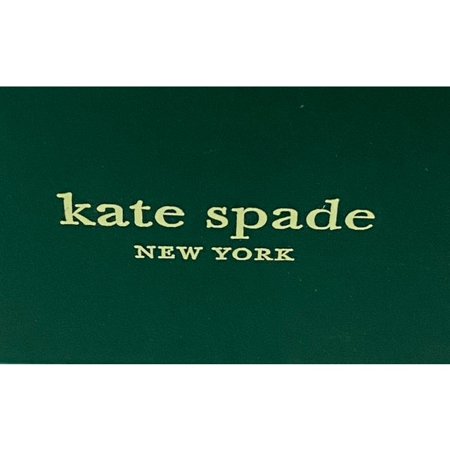 Stylishly organize your papers with this glamorous Kate Spade Colorblock Tray. This mint green clear lucite desk organizer...