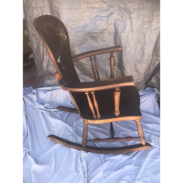 American 1900s Vintage Victorian Rocking Chair For Sale - Image 3 of 7