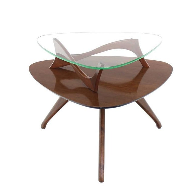 Mid-Century Modern Pair of Round Triangular Tri Legged Two Tier Side End Tables For Sale - Image 3 of 10