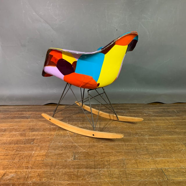 Mid-Century Modern 1950s Jim Oliveira for Eames Rope Edge Rocking Chair For Sale - Image 3 of 13