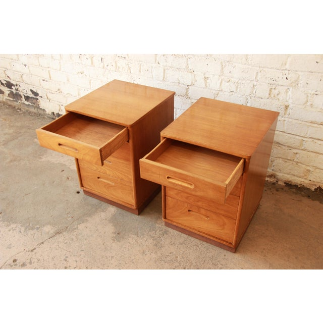 Brown Edward Wormley for Dunbar Mid-Century Nightstands - a Pair For Sale - Image 8 of 11