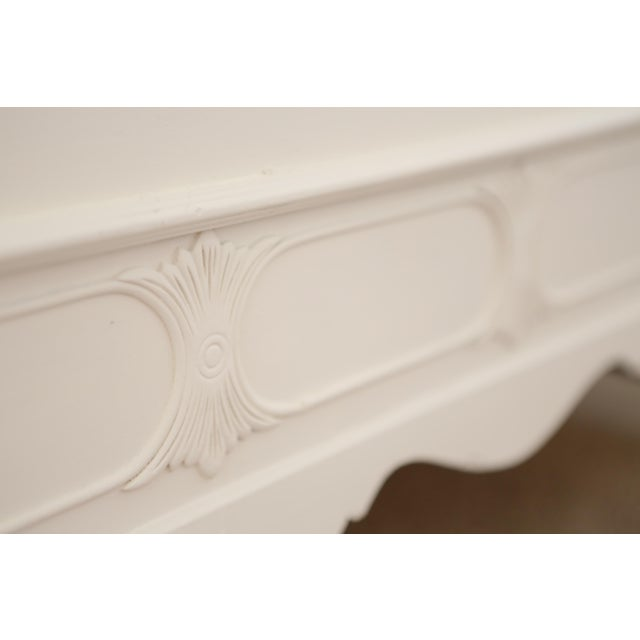 Huntley Furniture Twin Bed Shabby Chic French Provincial Vintage - Image 5 of 7