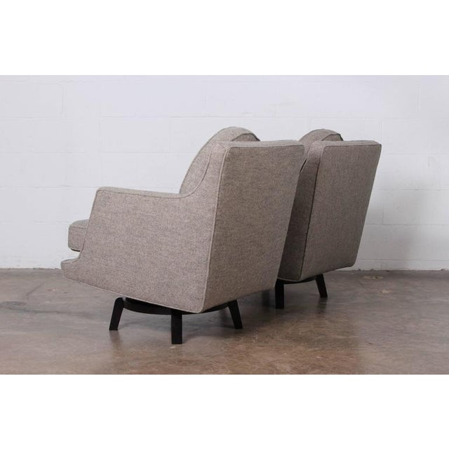 Textile Pair of Swivel Chairs by Edward Wormley for Dunbar For Sale - Image 7 of 10