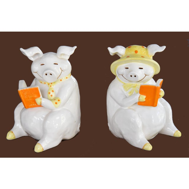"""Fitz &Floyd Smiling, Sitting Vintage Piggy Bookends Each of our pigs is reading a book! Each piggy is approximately 7""""..."""