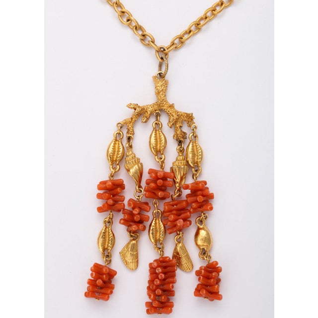 Mid-Century Modern Coral and Shell Pendant Necklace For Sale - Image 3 of 9