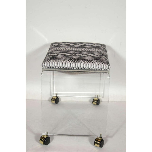 1970s Mid-Century Modernist Waterfall Form Lucite Stool with Faux Python Upholstery For Sale - Image 5 of 6