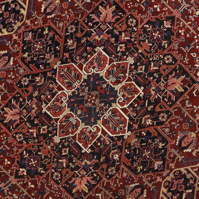 Antique Persian Heriz Rug with Modern Traditional Style For Sale - Image 4 of 10