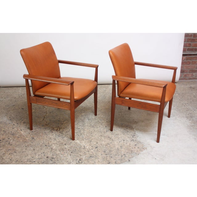 Danish Modern Pair of Finn Juhl Diplomat Armchairs for France & Son in Leather and Teak For Sale - Image 3 of 13