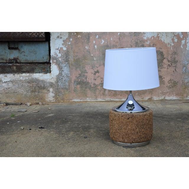 Laurel Lamp Company 1960s Vintage Laurel Mid-Century Modern Cork & Chrome Table Lamp For Sale - Image 4 of 9