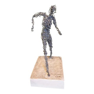 Wire Figurative Sculpture, Signed Kujawa, 1976 For Sale