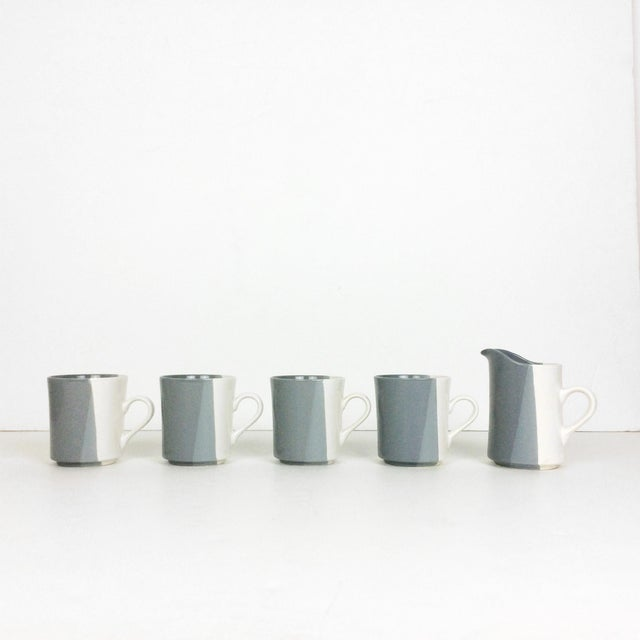 Modern Gray and White Mugs and Pitcher Set With Asymmetrical Line Pattern - 5 Piece Set For Sale - Image 13 of 13