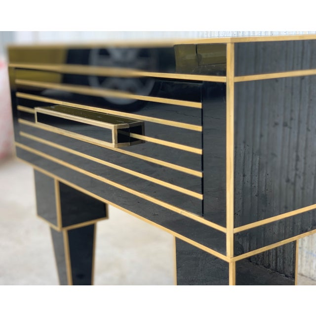 Metal New Pair of Mirrored Low Nightstand in Black Mirror and Chrome With Drawer For Sale - Image 7 of 10