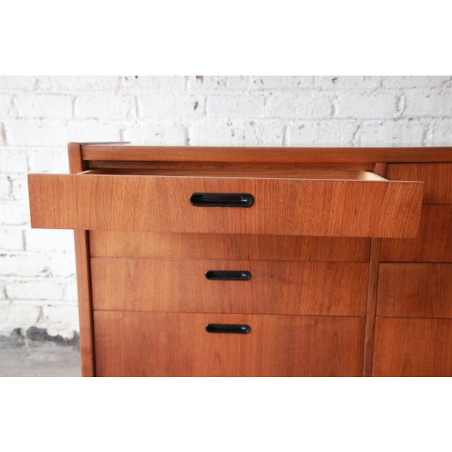 Mid-Century Modern Walnut Twelve-Drawer Dresser or Credenza by Founders For Sale - Image 10 of 13