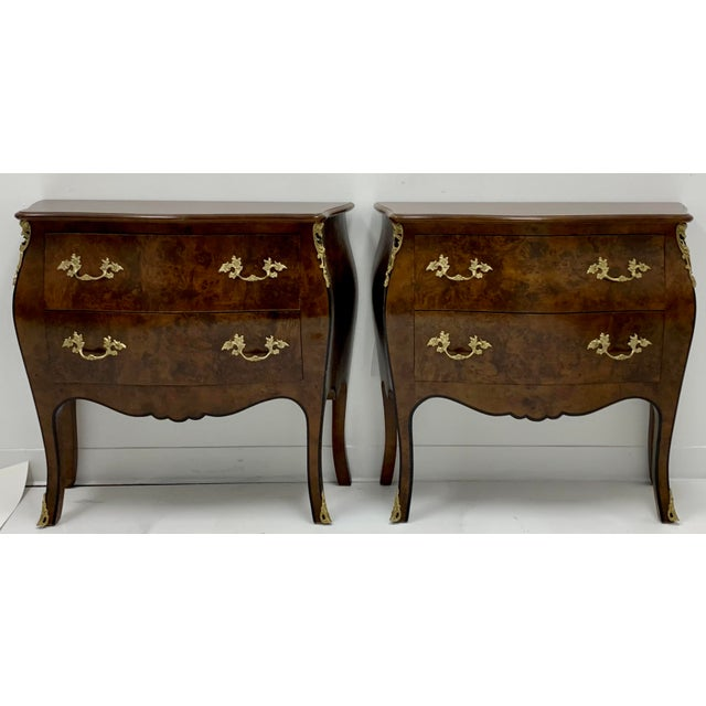 Brown Pair of Hekman Italian Serpentine Burl Chests For Sale - Image 8 of 9