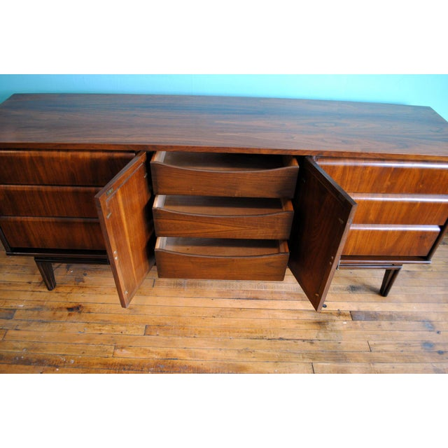 Mid Century Modern Walnut 9 Drawer Dresser - Image 3 of 10