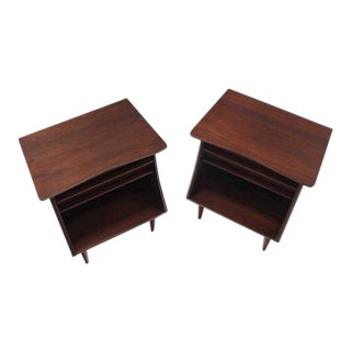 Vintage Mid Century American Walnut One Drawer Nightstands- a Pair For Sale