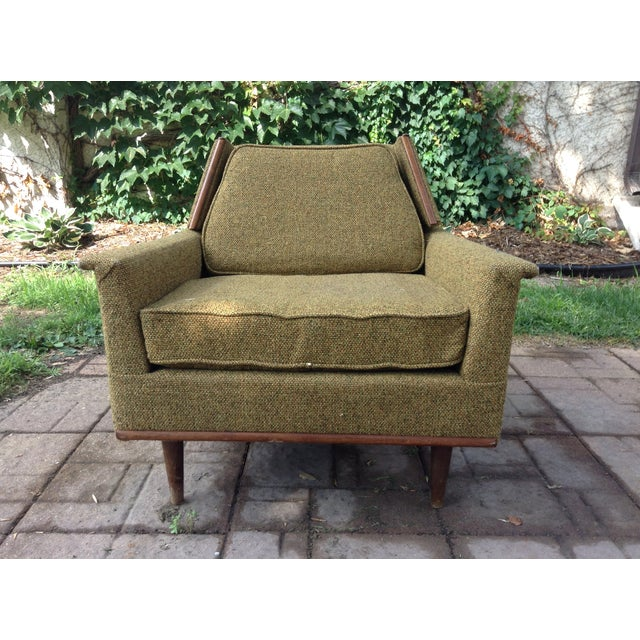 Cute, comfy mid-century 1960's vintage living room chair with little wear, original upholstery (nubbly speckled loden...