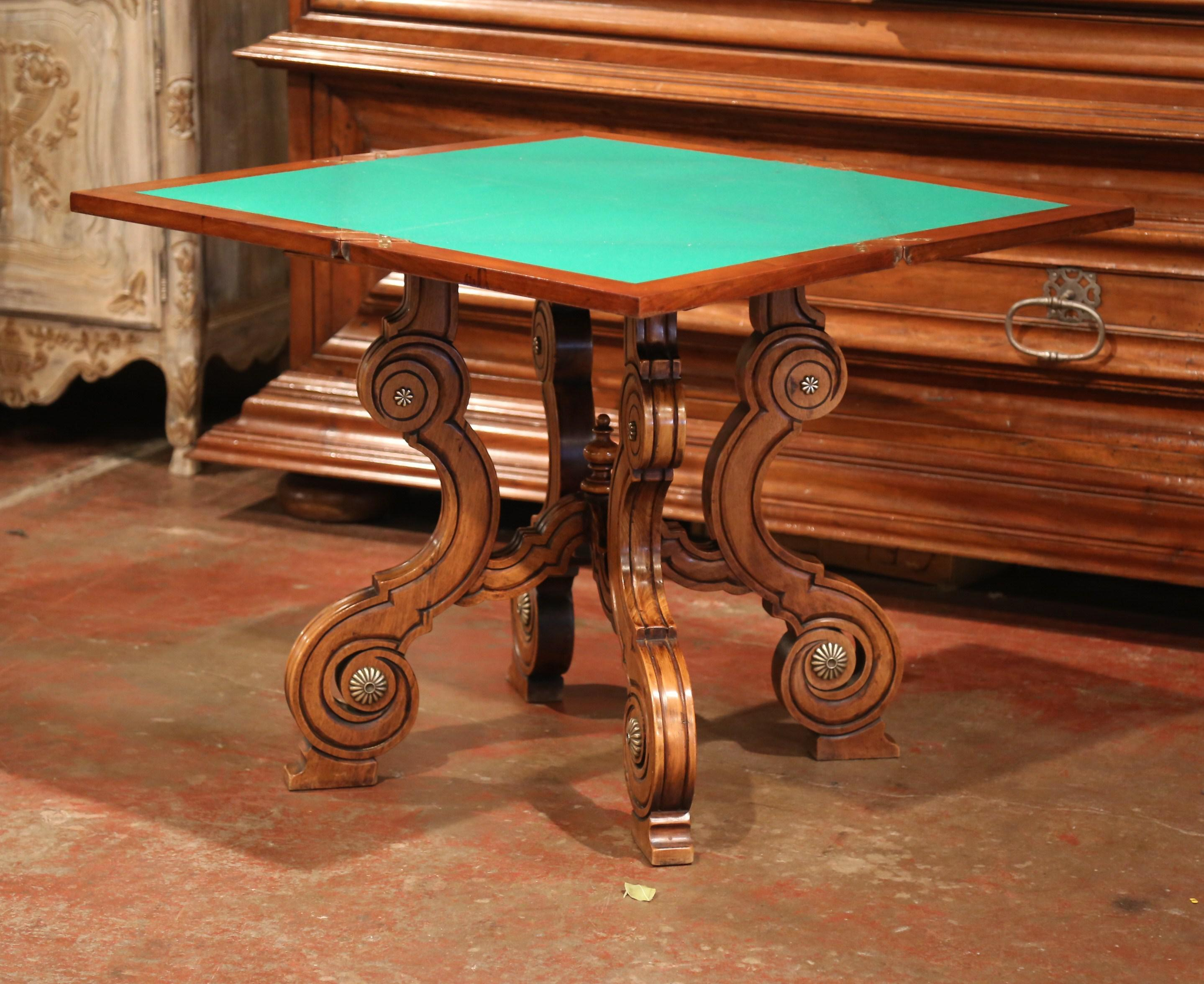 19th Century French Louis XIII Carved Walnut Game Table With Leather And  Felt   Image 6