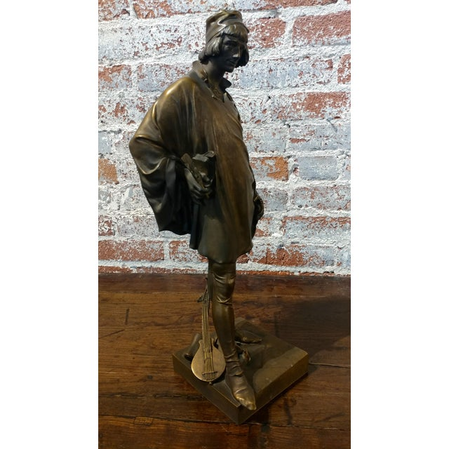 19th century Fabulous Bronze Sculpture of a Renaissance Artist -Signed Solid bronze sculpture For Sale - Image 4 of 10