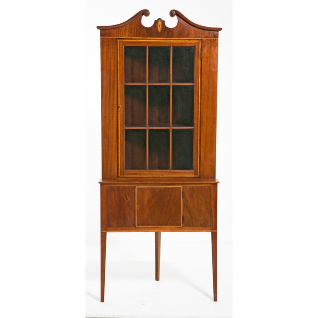 Early 20th Century Early 20th Century Federal Style Corner Cabinets - a Pair For Sale - Image 5 of 7