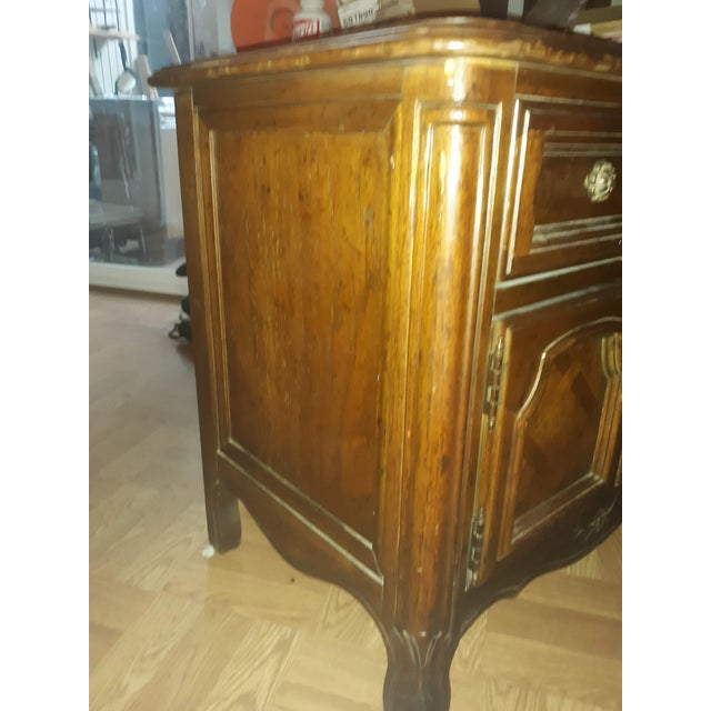 French Provincial Drexel Heritage Side Tables - a Pair For Sale - Image 10 of 13