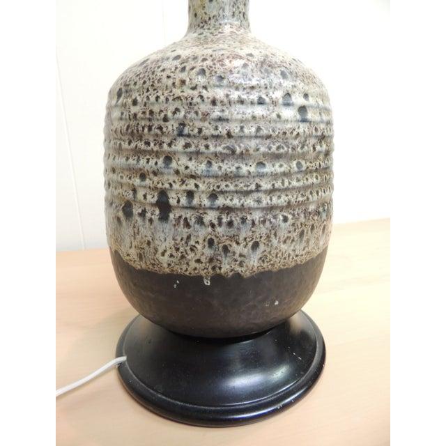 Mid-Century Modern Art Pottery Ceramic Table Lamp - Image 4 of 4