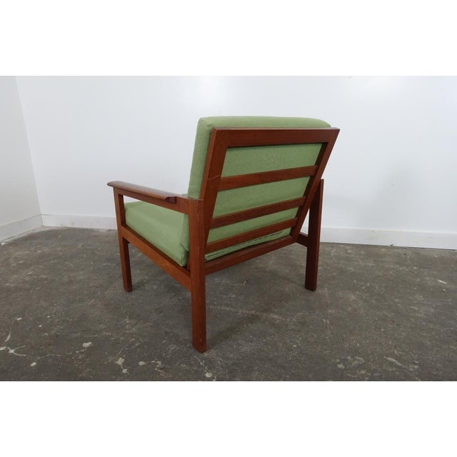 DUX Mid-Century Modern Dux Club Chair For Sale - Image 4 of 7
