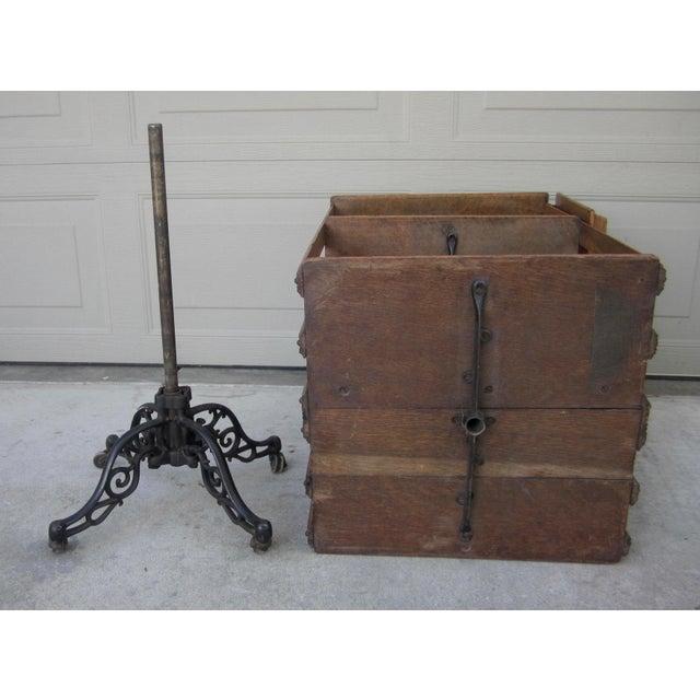1900s Mid-Century Modern Revolving Swivel Rotating Oak Barrister For Sale - Image 9 of 12