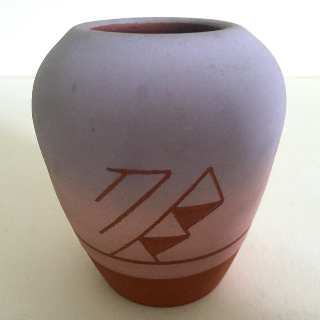 Vintage Native American Sioux Havel Marie Signed Pink Purple Ombre Terra Cotta Vase For Sale - Image 9 of 11
