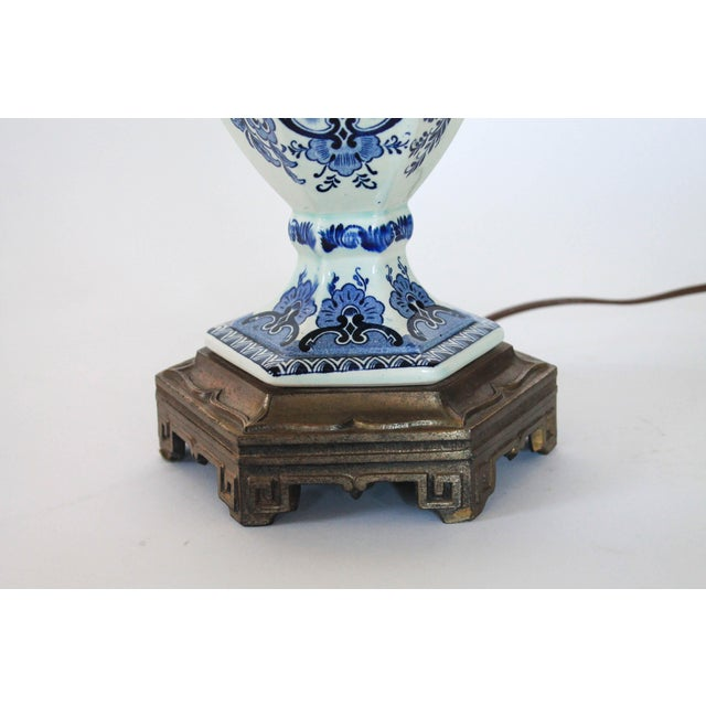 Vintage Delft Blue and White Table Lamp For Sale In Milwaukee - Image 6 of 12