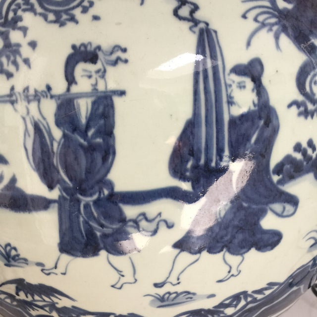 Chinese Blue and White Double-Gourd Form Porcelain Vases - a Pair For Sale In Los Angeles - Image 6 of 10