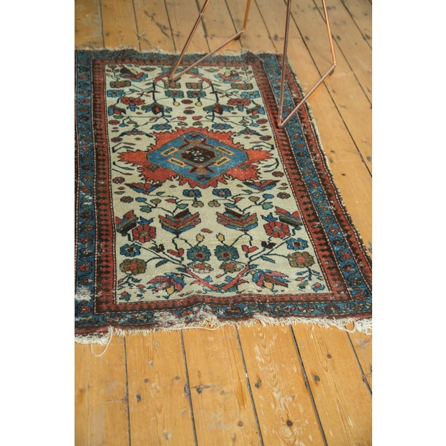 "Vintage Malayer Rug - 2'10"" x 4'5"" For Sale - Image 9 of 9"