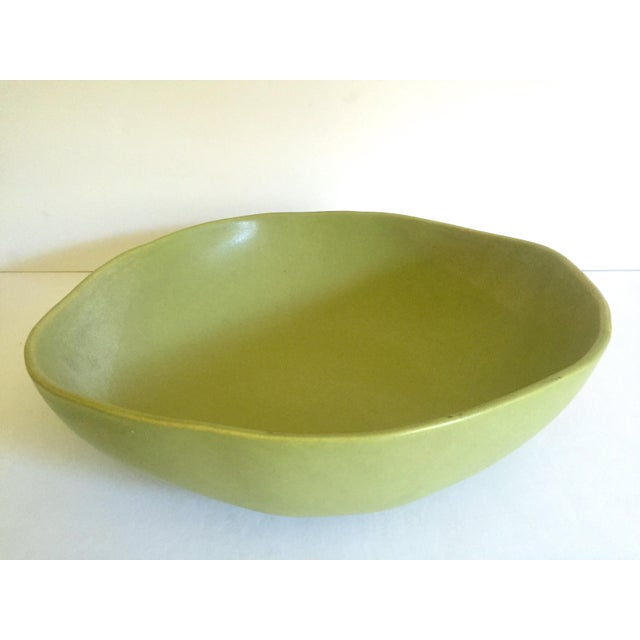 Alex Marshall Studios Pottery Vintage Organic Modernist Extra Large Chartreuse Ceramic Serving Bowl For Sale - Image 10 of 13