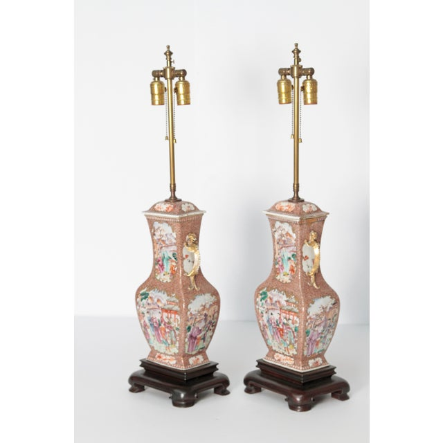 Gold Pair of Early 19th Century Chinese Export Rose Mandarin Porcelain Jars as Lamps For Sale - Image 8 of 13
