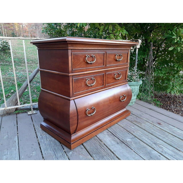Item offered is a rare vintage Drexel Et Cetera 3 drawer chest with kettle bottom base. It is walnut wood with dovetailed...