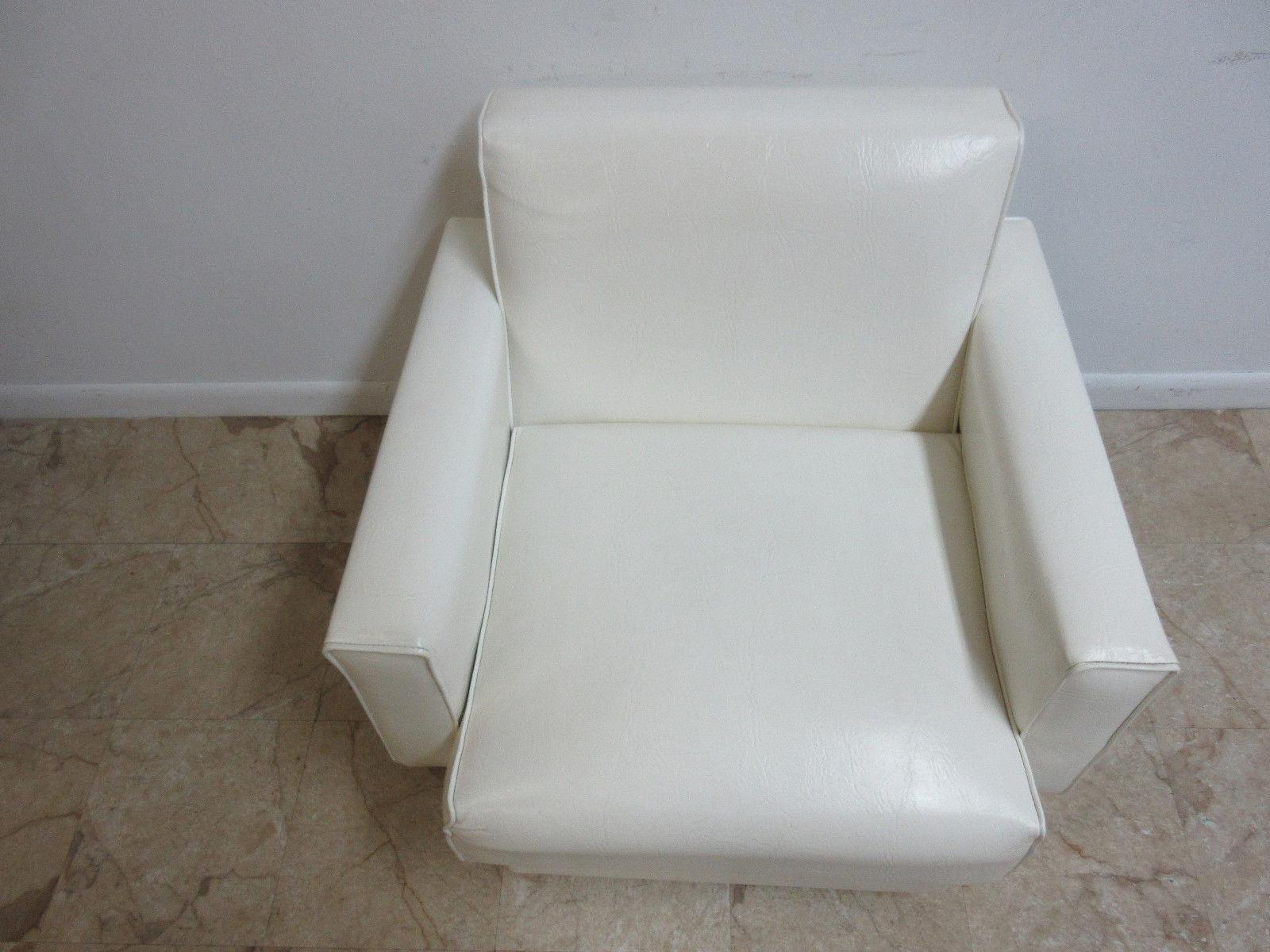 Vintage Mid Century Vinyl Lounge Chair   Image 8 Of 9