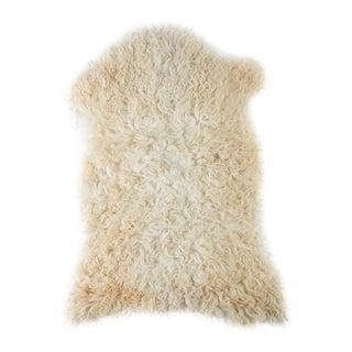 "Contemporary Natural Wool Sheepskin Pelt - 1'11""x2'9"" For Sale"