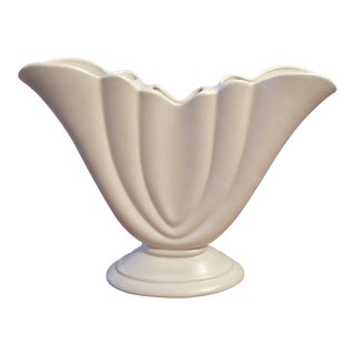 1940s Haeger Matte White Ceramic Fan Vase Signed For Sale