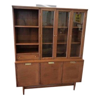 Mid-Century Modern American of Martinsville China Cabinet Buffet For Sale