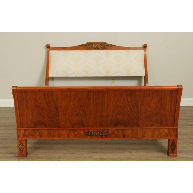 Neoclassical John Widdicomb Neo-Classical French Empire Style Walnut Queen Sleigh Bed For Sale - Image 3 of 13