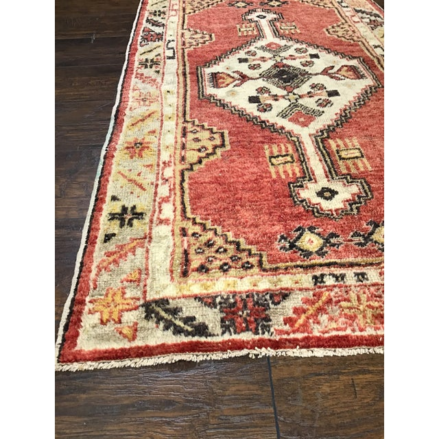 Late 20th Century Vintage Turkish Rug- 2′8″ × 4′9″ For Sale - Image 4 of 8