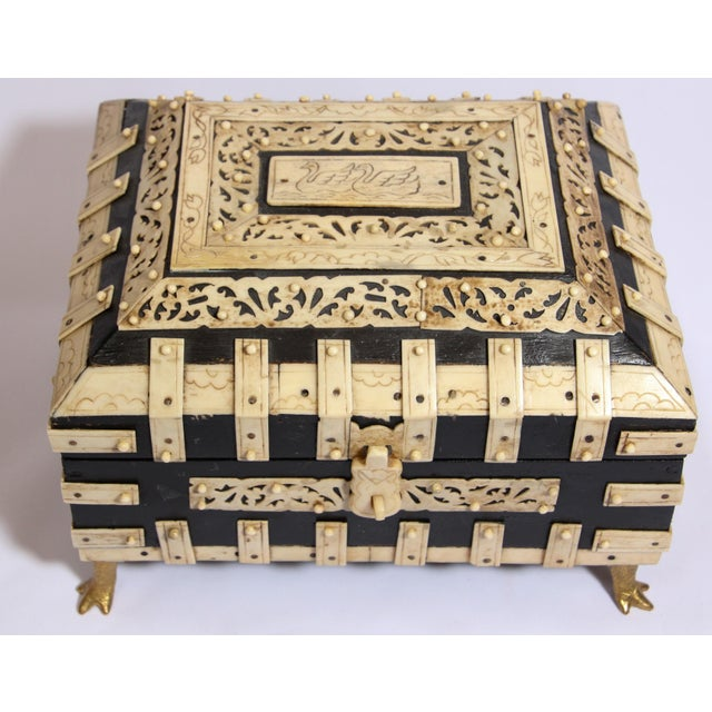 Wood Large Decorative Anglo-Indian Vizagapatam Footed Box For Sale - Image 7 of 13