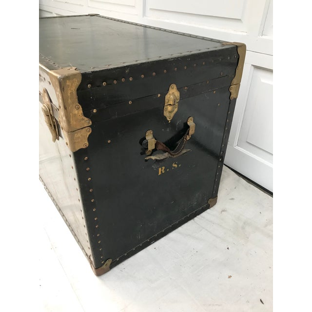 Early 20th Century XL Antique American Trunk For Sale - Image 4 of 8