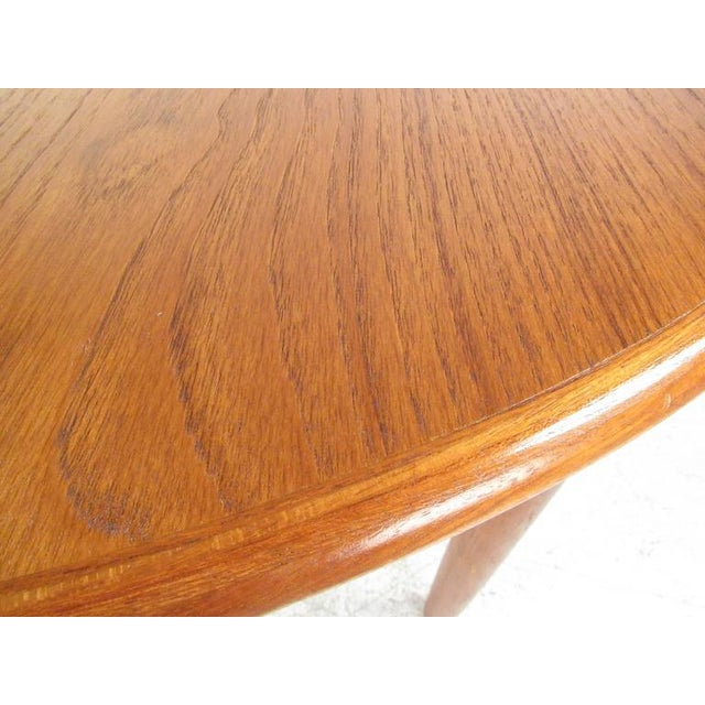 Mid-Century Modern Danish Teak Dining Table & Model 11 Moller Dining Chairs For Sale - Image 9 of 10