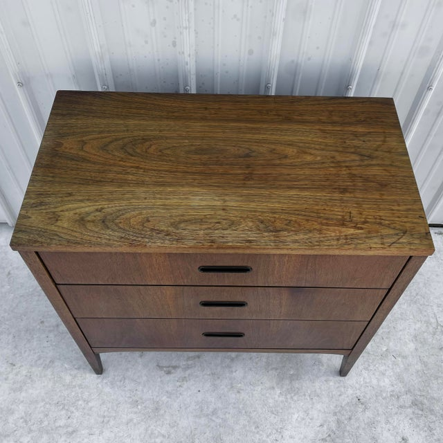 Mid 20th Century Mid-Century Modern Three Drawer Dresser For Sale - Image 5 of 10
