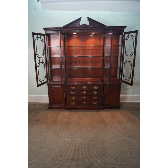 Henredon Chippendale Style Breakfront Cabinet - Image 7 of 10