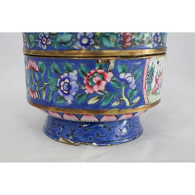 19th C. Chinese Enameled Box For Sale - Image 9 of 10