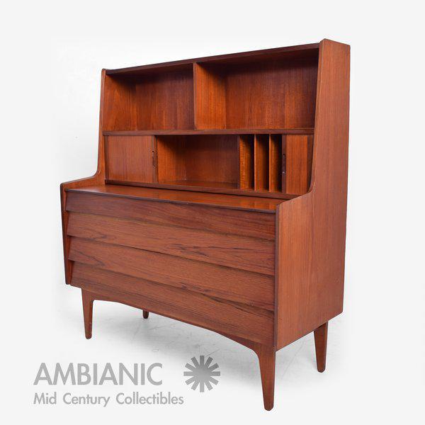 Danish Modern Danish Mid-Century Modern Teak Secretary Desk / Vanity Hjerm Mobelfabrik For Sale - Image 3 of 9
